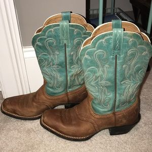 Ariat scalloped boots